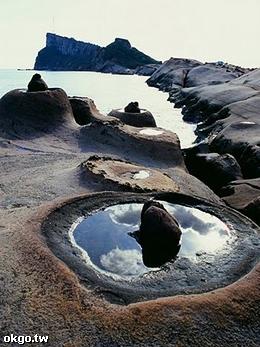 帶你到野柳觀海蝕奇觀~
