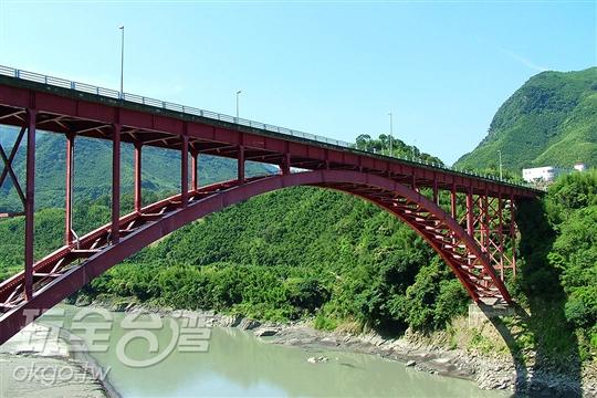 拉拉山復興橋壯麗美景
