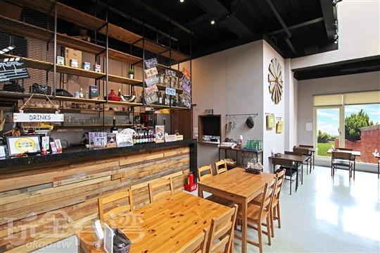 台中清水‧高美鹿民宿咖啡