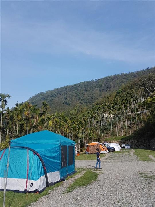 阿里山露營‧啟茗露營區