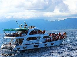 賞鯨觀光船